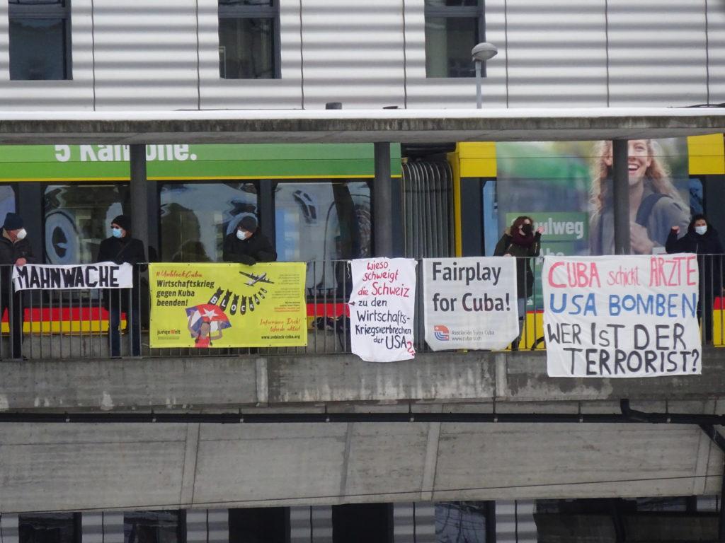Mahnwache Bahnhof Basel